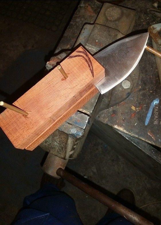 Dalsze prace nad nożem