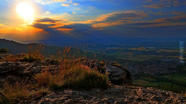 Zachód słońca nad górami