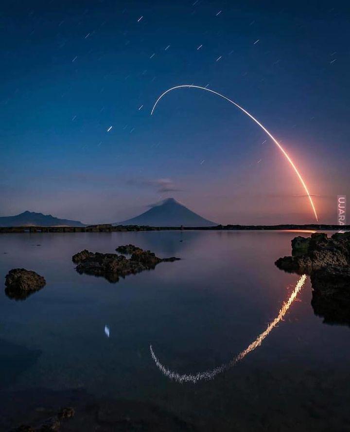 Rakieta sfotografowana nad Kagoshimą w Japonii