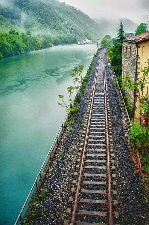 wsiąść do pociągu byle jakiego :)