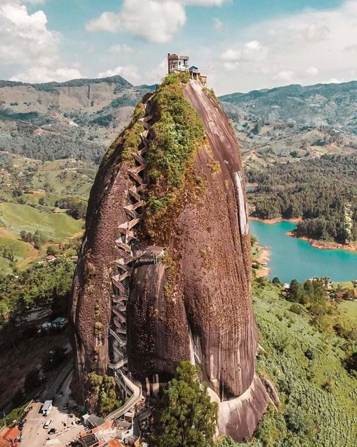 El Peñón de Guatapé, Kolumbia