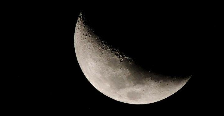 Kto zbudował Księżyc?