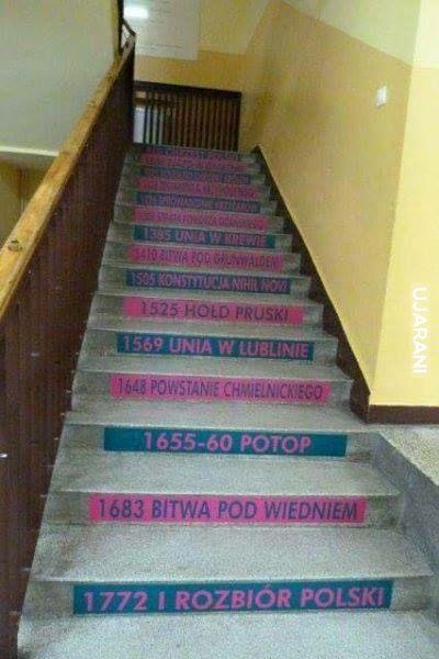 W każdej szkole takie schody