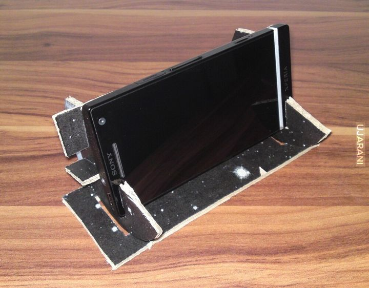 Stojak pod Xperia S konstrukcja własna