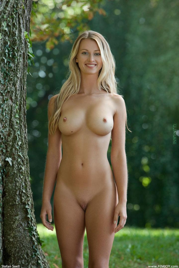 голые полнастью женщины видео