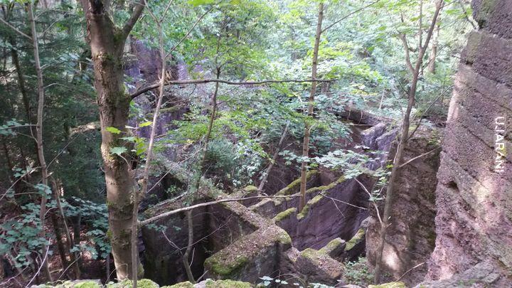 ruiny w górach kamiennych