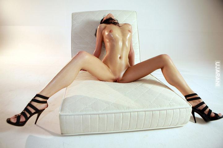 razdvinutie-nogi-golie