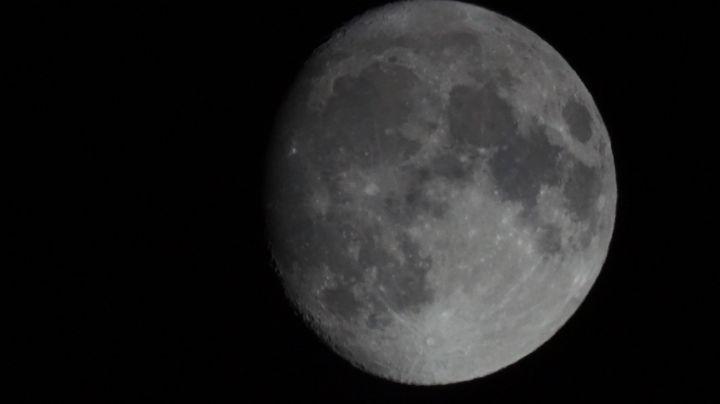 księżyc(przez teleskop)