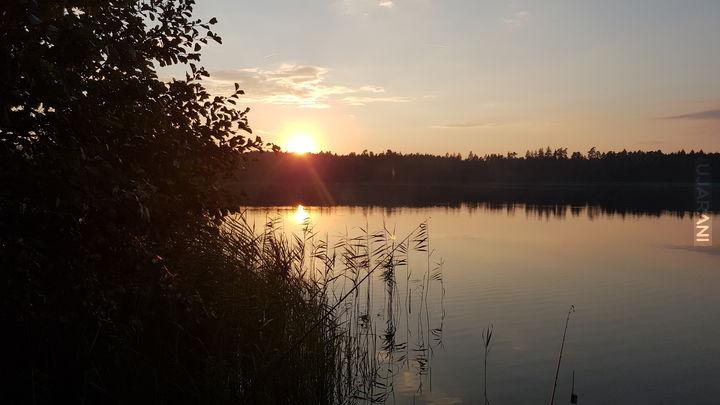 Zachód słońca nad jeziorem Brożane