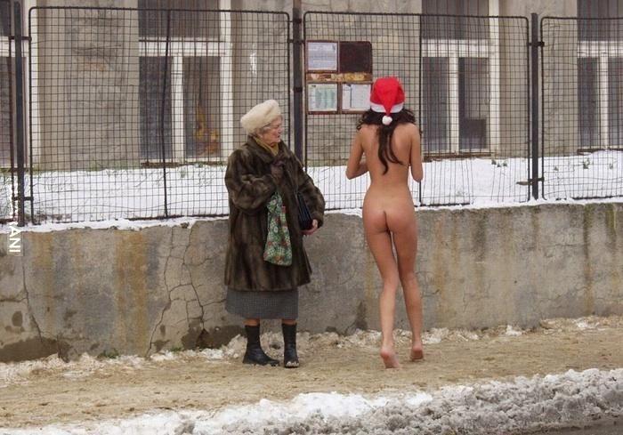 голые приколы на улице видео - 2