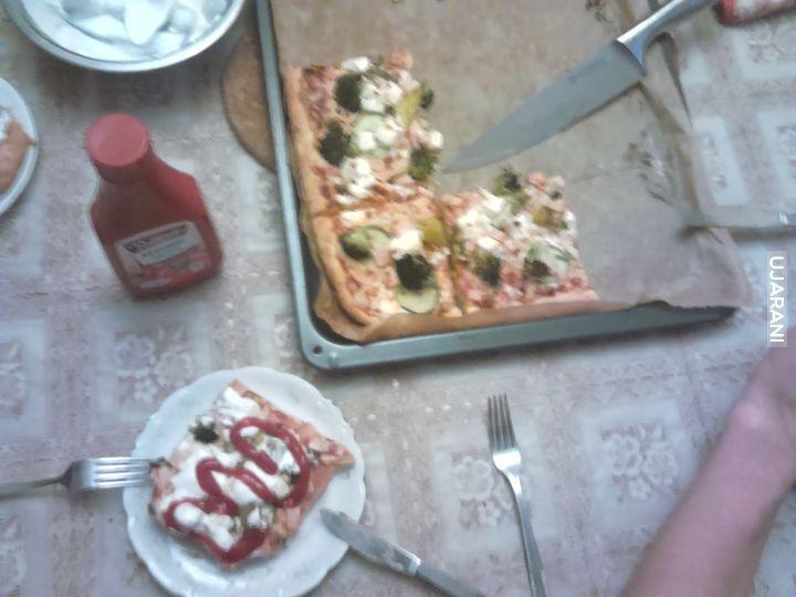 Domowa pizza jak zawsze inaczej smakuje :D
