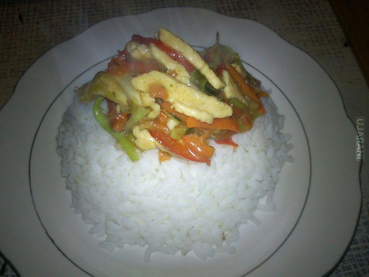 Smażony Makaron/Ryż z kurczakiem i warzywami