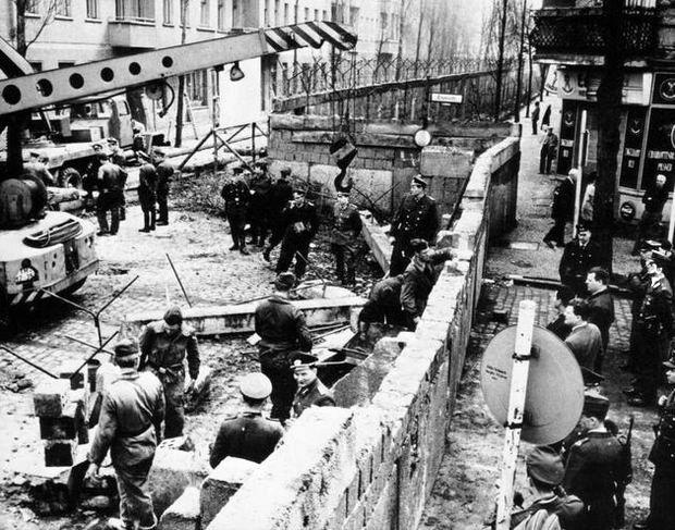 Budowa muru. Berlin