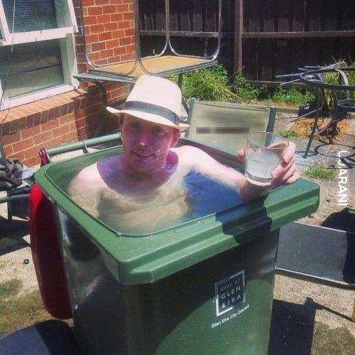 można powiedzieć,że każdy ma basen w domu :D