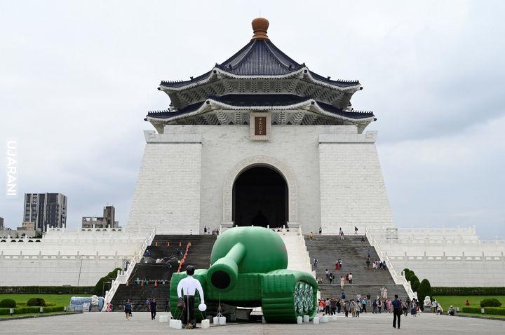 Dmuchany czołg na rocznicy masakry w Tiananmen