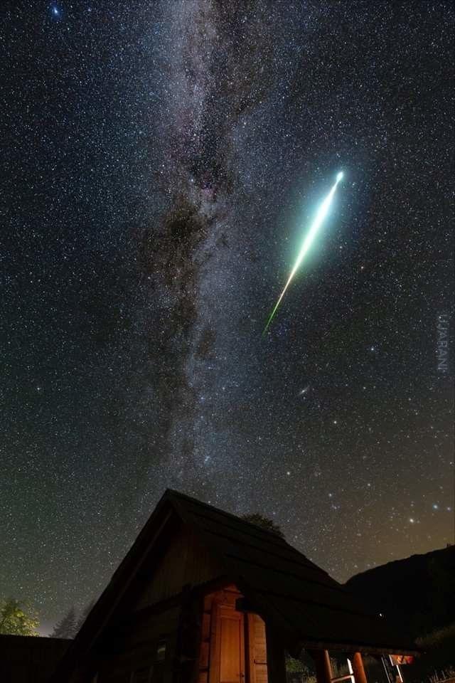 Zdjęcie niezwykle jasnego meteoru autorstwa Damiana Demendeckiego