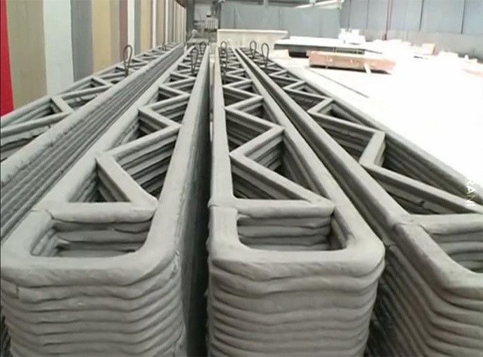 """Gigantyczna drukarka 3D """"buduje"""" 10 domów w 1 dzień"""