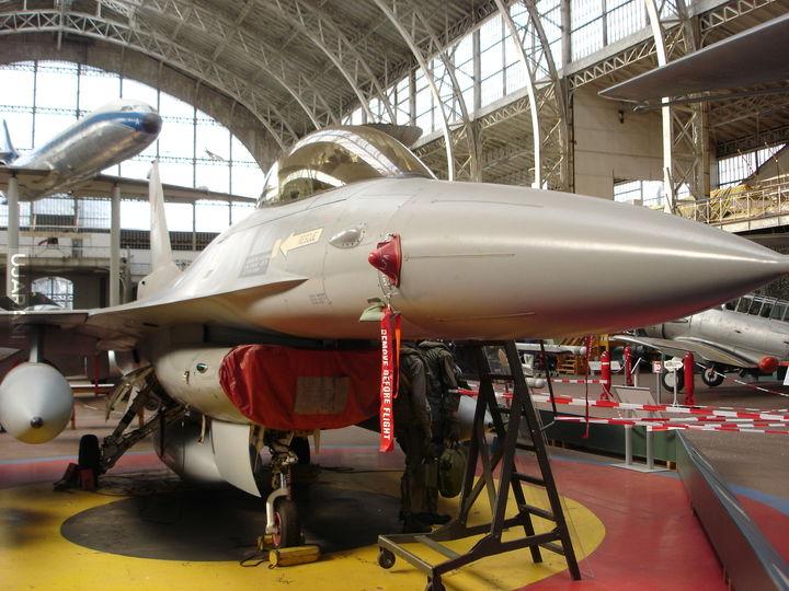 F-16 w muzeum