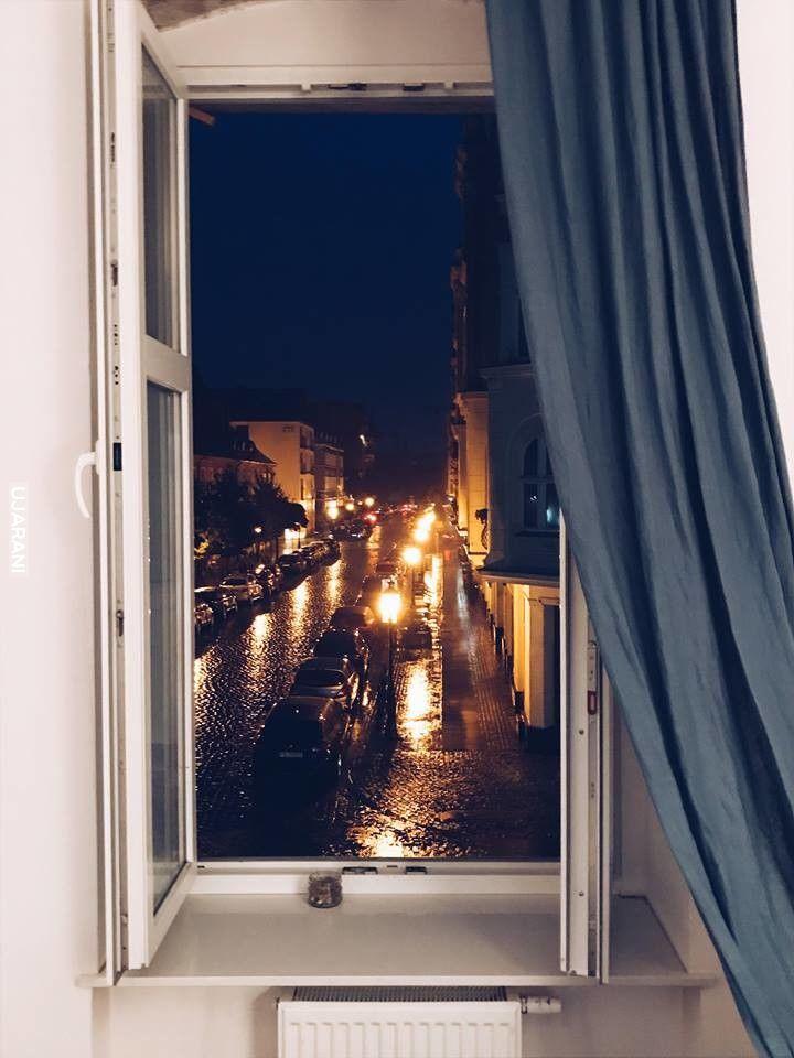 Deszczowy Poznań nocą