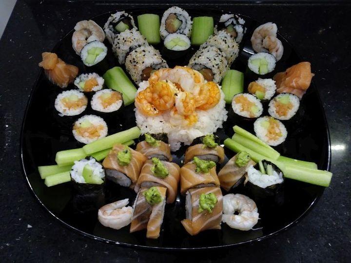 Sushi set na dzień Kobiety