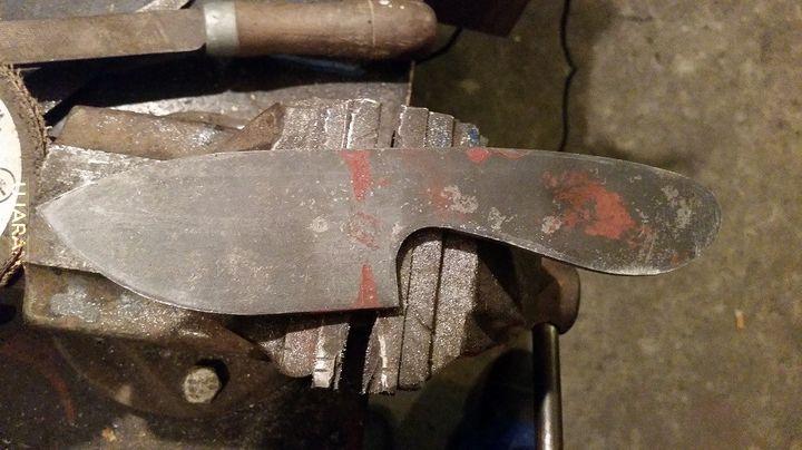 Pierwsze próby stworzenia noża