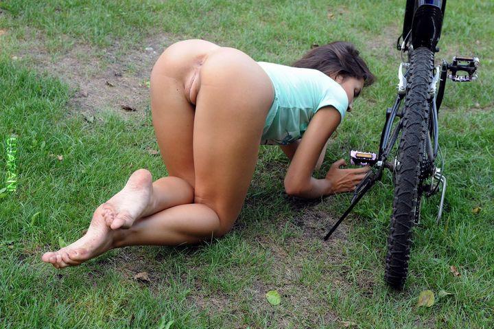 девушки голые безтрусов фото