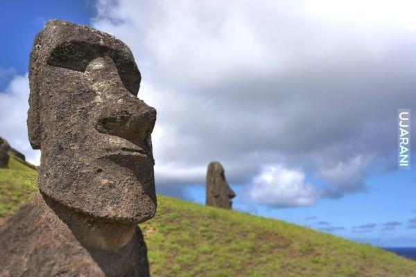 Moai....