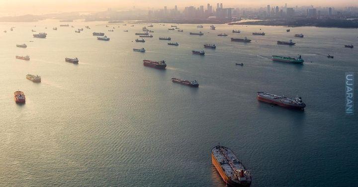 Kolejka statków w Singapurze