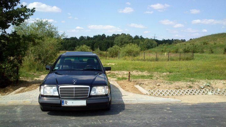 Własny W124 :)