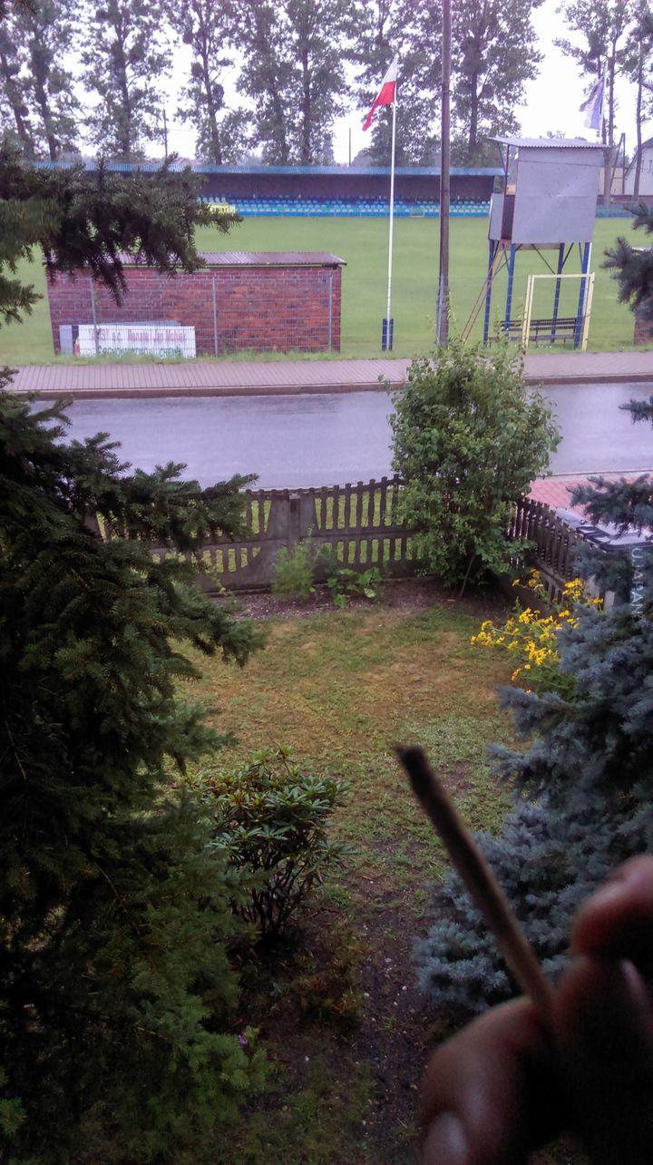 Fajnie jest miec nature przed domem. A co do stadionu to pilki nie lubie ;p