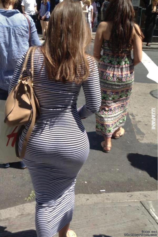 Sassy MILF Caroline Pierce undressing and exposing her big oiled up booty  611395
