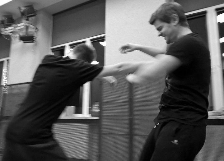 Czym różni się realna samoobrona od sztuk walki? Świetny tekst!