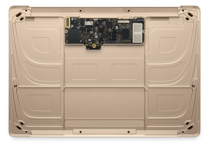 Macbook Air bez baterii