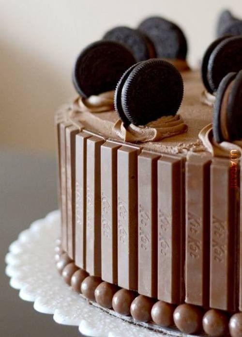 Kit kat cake.