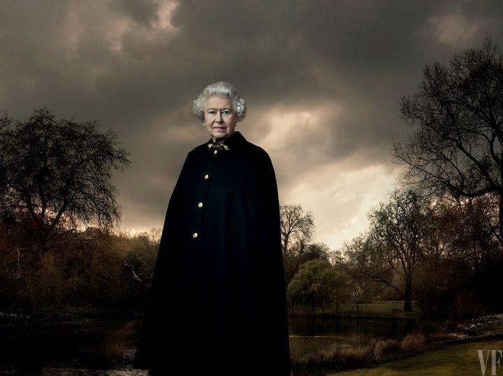 Królowa w ogrodzie pałacu Buckingham 2007
