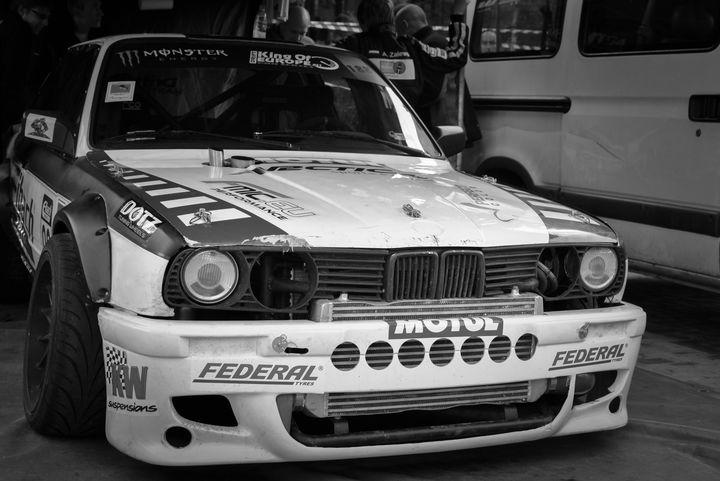 BMW E30 z silnikiem 2JZ - Auto Adama Zalewskiego Juniora