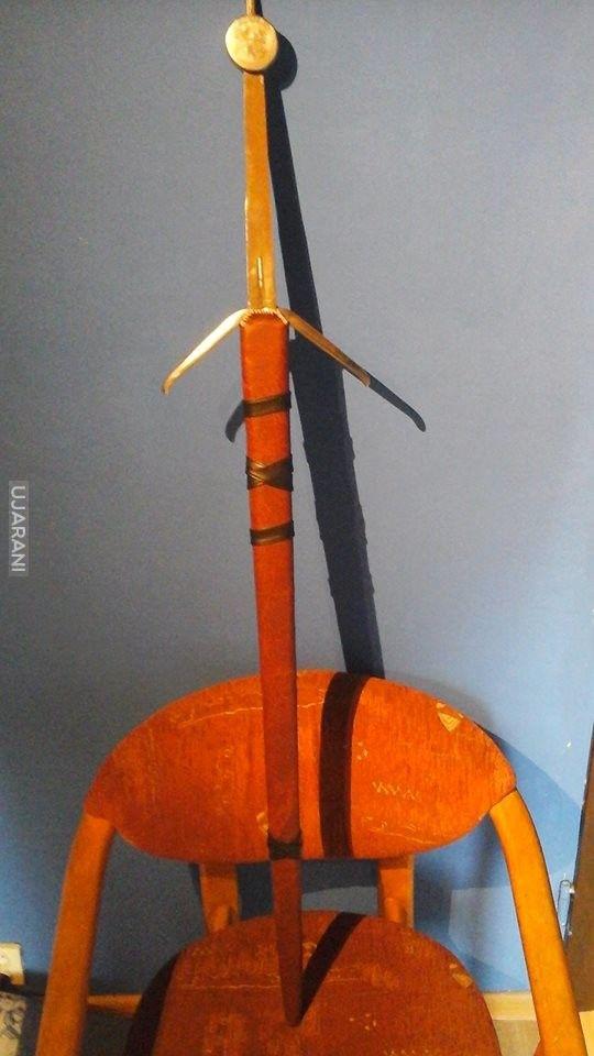 Wiedźmiński miecz srebrny