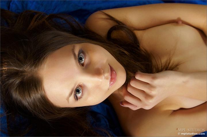 Asia chubby mom vs monster dick.sex video.com