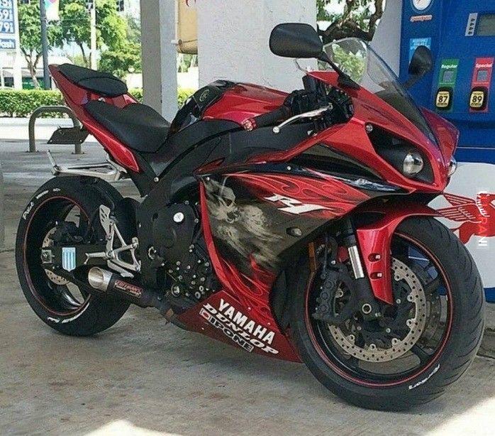Yamaha R1 Demon