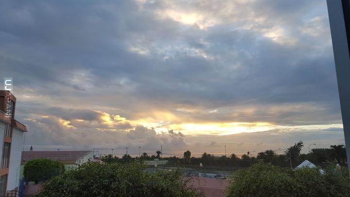 Zachmurzenie podczas wschodu ałońca