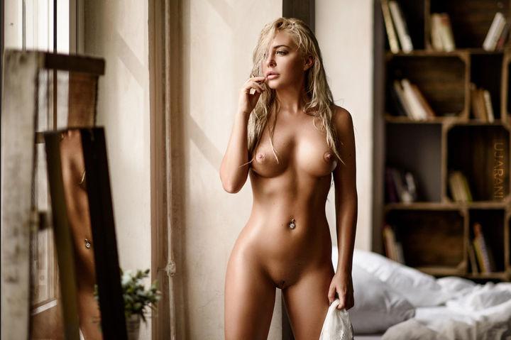 Картинки девак голых и красивых, наказал за воровство порно