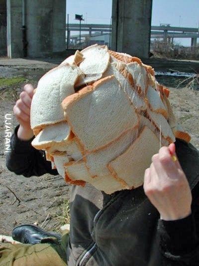 Powiedzenie takie... Człowiek myśli o chlebie.