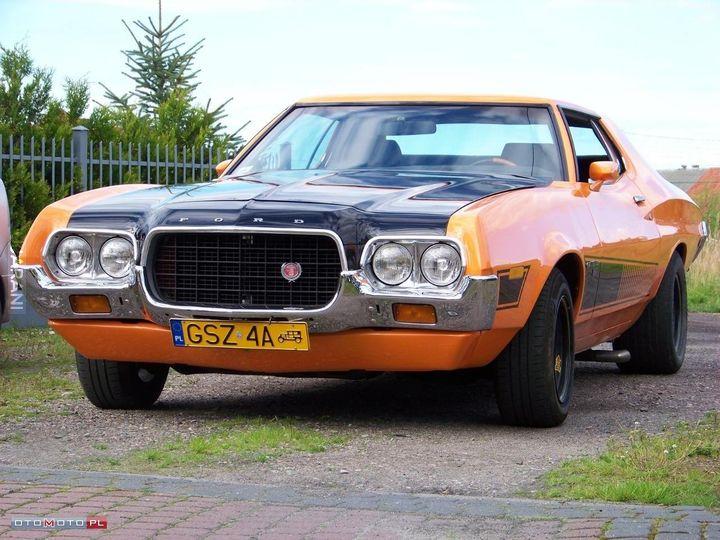 Ford Gran Torino,pojawił się w mieście.