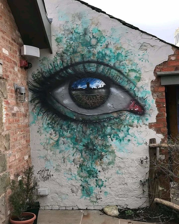 One eye more think