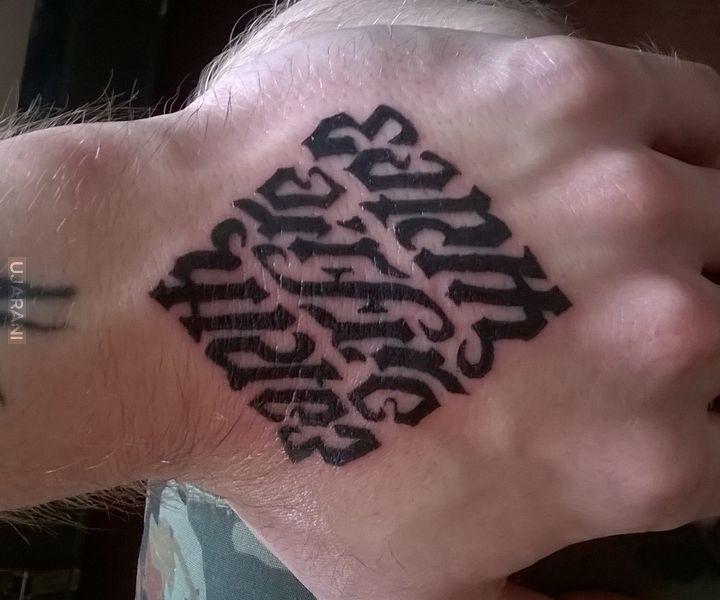 """Ambigram """"EARTH, AIR,FIRE,WATER"""" Wykonanie własne na własnej dłoni"""