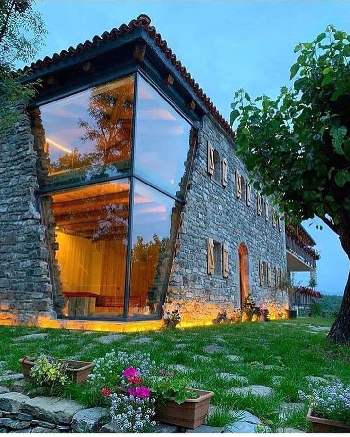 Dom w Albanii