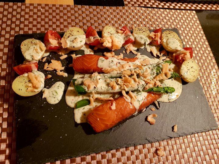 _Łosoś, szparagi, thc, ziemniaczki i sos śmietanowo koperkowy!_
