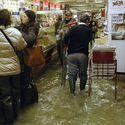 Powodzi się