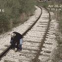 pociąg uderzył człowieka, rzeźnia ! :-D