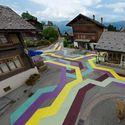 Geometryczne ulice w Vercorin, Szwajcaria.